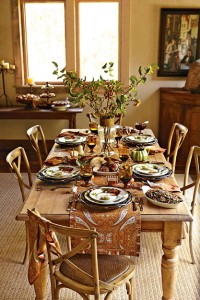 Thanksgiving-Table--Botanical-Pumpkin-Amber-Glass-Paisley-Linens