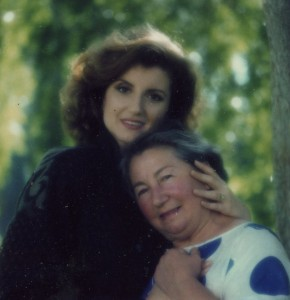 Speaking of her Mediterranean heritage, Huffington with her mother, Elli Stassinopoulos.