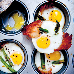 Baked Eggs with Asparagus and Bacon 282