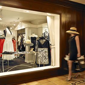 Shopping at the Hotel Del Coronado -Courtesy Barbara Kraft