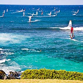 hawaii-maui-windsurfing-282.-72dpi.Hawaii-Tourism-Authority-HTATor-Johnson-Island-Maui