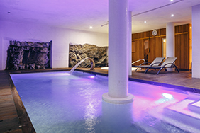 Vilamont Hotel pool