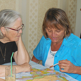 Lynn Lotkowictz volunteering in Greece