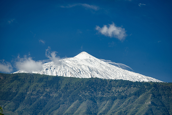 Mount Tiede. Photo: Michal Mmozek, Unsplash