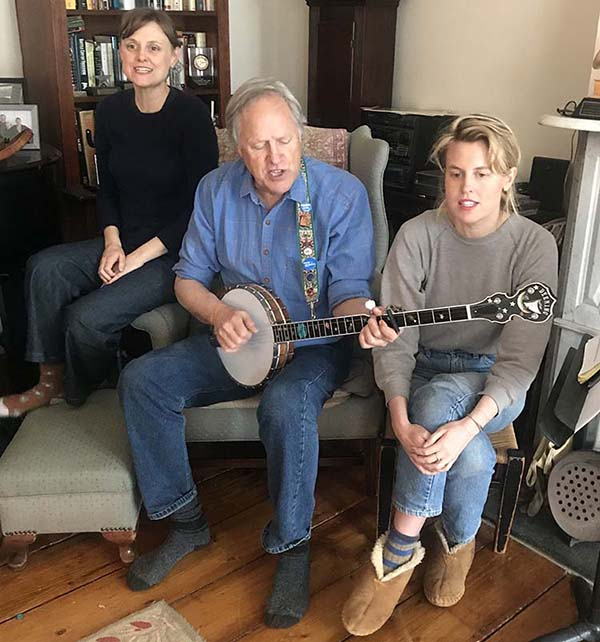 Tom Chapin and daughters